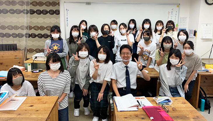 四国歯科衛生士学院専門学校 1年生に 歯周病の講義に行ってきた!